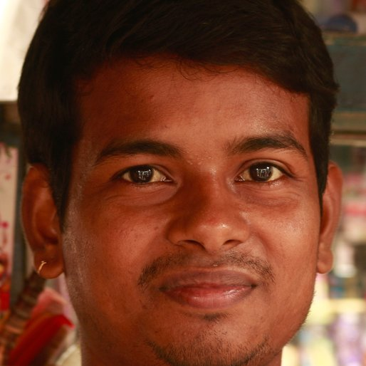 TANMOY SARKAR is a Barber from Sen Para, Santipur, Nadia, West Bengal