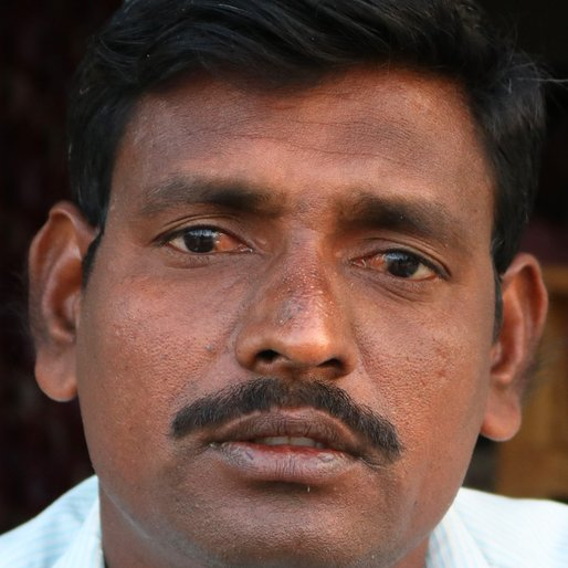 Santosh Kabure is a Tenant farmer from Latwadi, Shirol, Kolhapur, Maharashtra