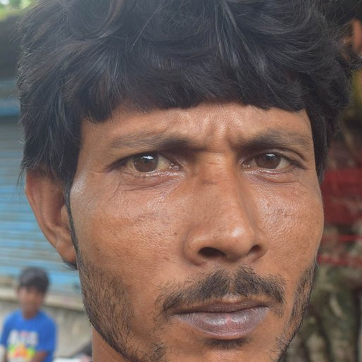 Shamal Saha is a Daily wage labourer from Atharabanki, Canning-II, South 24 Parganas, West Bengal