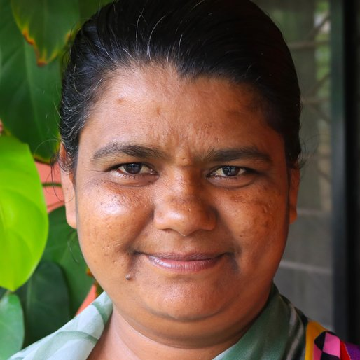 SHOBHA THAKUR is a Domestic worker  from Ichalkaranji, Kolhapur, Maharashtra