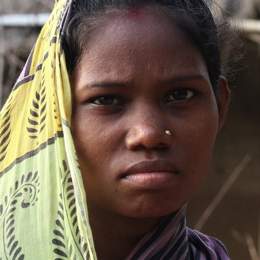 Sukanti Munda is a Daily wage labourer from Rajabasa, Bisoi, Mayurbhanj, Odisha