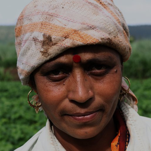 SUNANDA BHILARE is a Farmer from Jainyal, Kagal, Kolhapur, Maharashtra