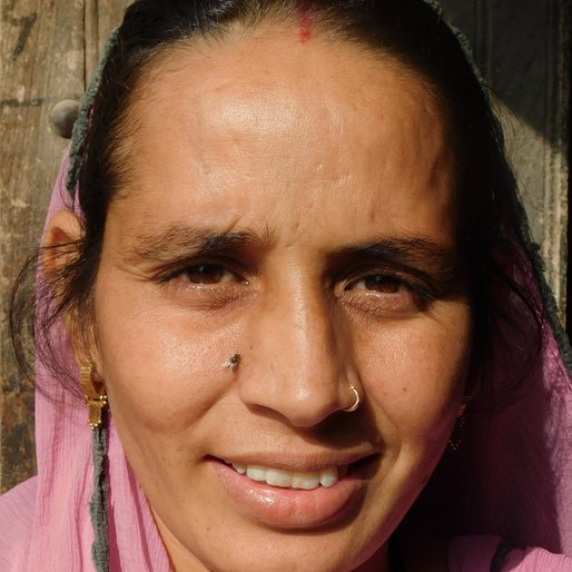 Suresh Kundu is a Homemaker from Khairi, Uklana, Hisar, Haryana