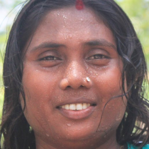Tumpa Porel is a Homemaker from Senhat, Khanakul-II, Hooghly, West Bengal