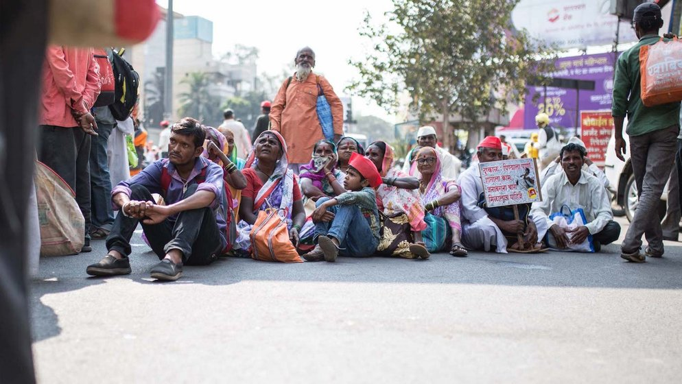 Farmers sitting in nasik waiting for the march to start