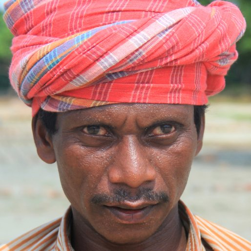 UMA MAJHI is a Brick maker from Mohanpur, Barrackpore, North 24 Parganas, West Bengal