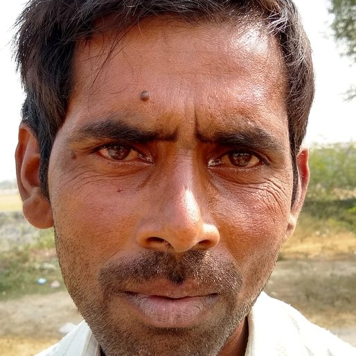 Vijaypal Singh is a Scrap collector from Pahsa Mahiuddinpur, Ratanpura, Mau, Uttar Pradesh
