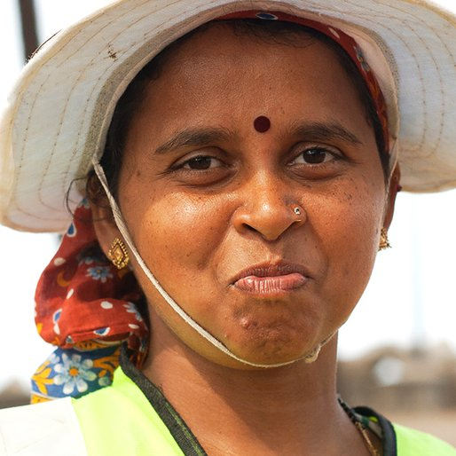 Vishaka Talkar is a Beach cleaner; works for the panchayat on a contract basis    from Paliem, Pernem, North Goa, Goa