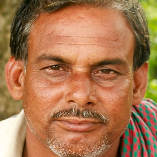 JAMARUL DAFADAR is a Labourer from Thana Para, Karimpur II, Nadia, West Bengal