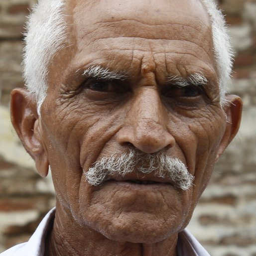 PUNJA NAVGAJI PATIDAR is a Farmer from Nisarpur, Kukshi, Dhar, Madhya Pradesh