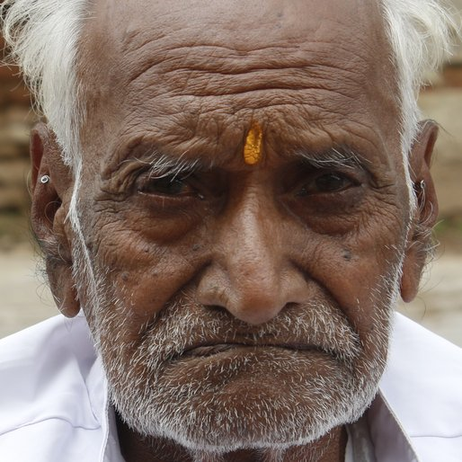 DEVJI JIVA PATIDAR is a Farmer from Nisarpur, Kukshi, Dhar, Madhya Pradesh