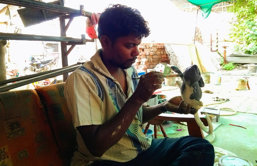 Swapan Mondal, Tapan's brother, who coordinates the workshop, says, 'To practice art, no one needs a degree'