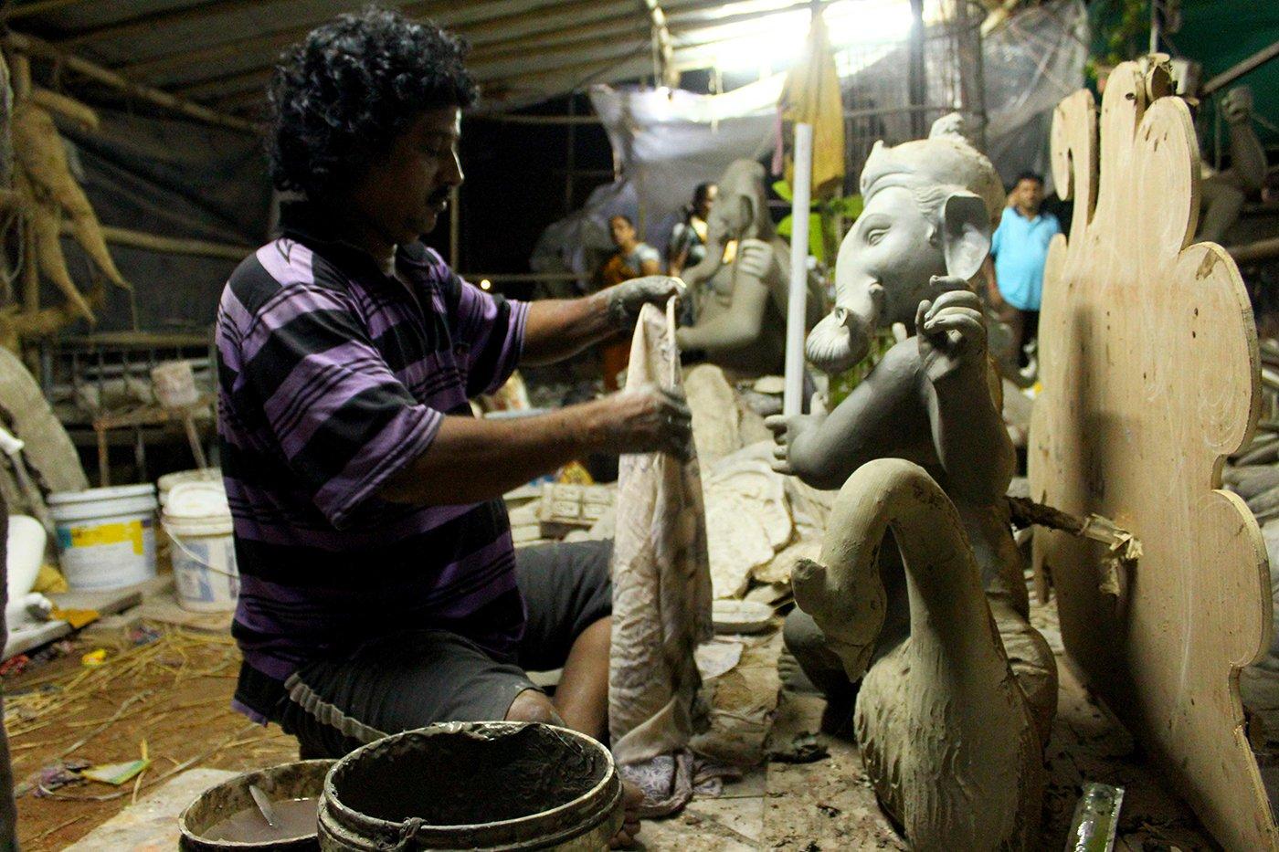 Bengal meets Baroda to sculpt Ganpati idols