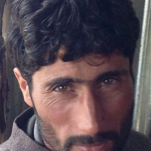 MUZZAFAR is a Daily wage labourer from Heerpora, Shopian, Shopian, Jammu and Kashmir