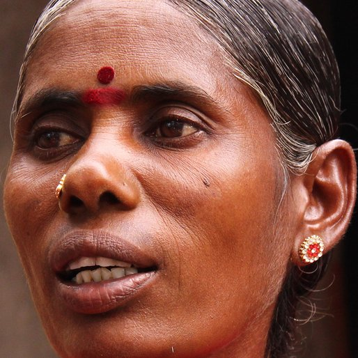 PUSHPA VADIVELU is a Snake catcher; part-time labourer (agriculture/construction) from Chenneri, Kanchipuram, Tamil Nadu