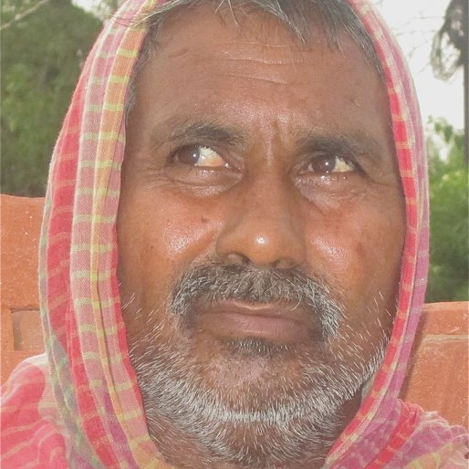 SHIV KUMAR is a Mistri (brick work mason) from Paleta, Gorakhpur, Uttar Pradesh