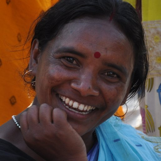 SONAMONI MURMU is a Preschool teacher; community organiser from Garia, Jhalda, Birbhum, West Bengal